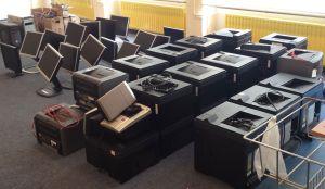 Zorgcirkel verzameling printers en schermen